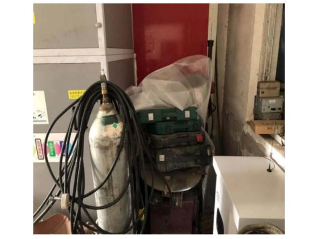 某汽修店废气处理设备边